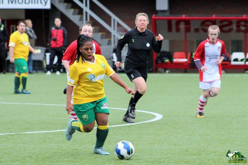 G-voetballers vv Drenthina en FC Klazienaveen zijn voor even FC Emmen-spelers!