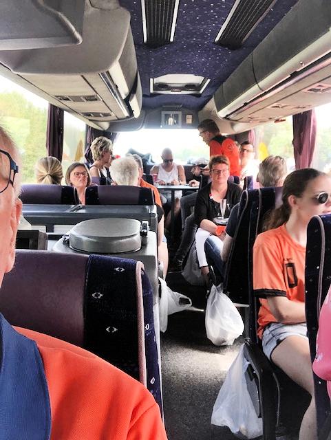 Oranje leeuwinnen winnen onder toeziend oog van de Hondsrug Zuid Oost Drenthe.